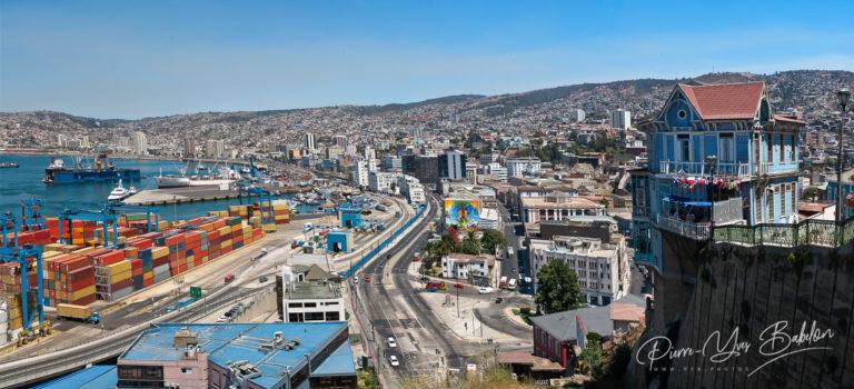 Panoramic view on Valparaiso