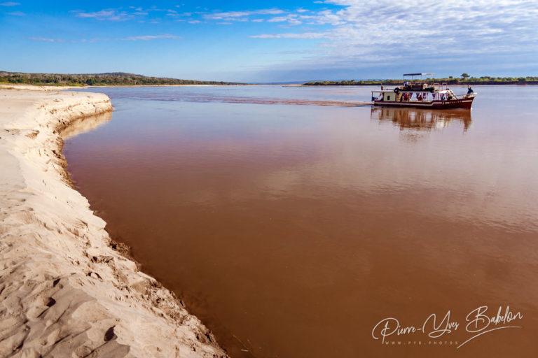 Along the Tsiribihina river